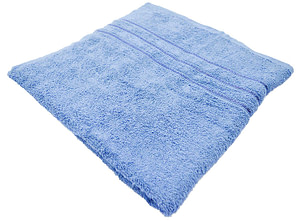 Bombay Dyeing Flora 400 GSM towel